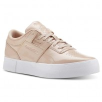 Reebok Workout Lo Shoes Womens Beige/White CN3564